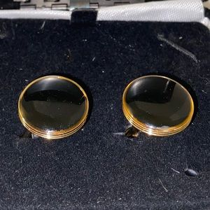  NWT Men's black and gold cuff links.